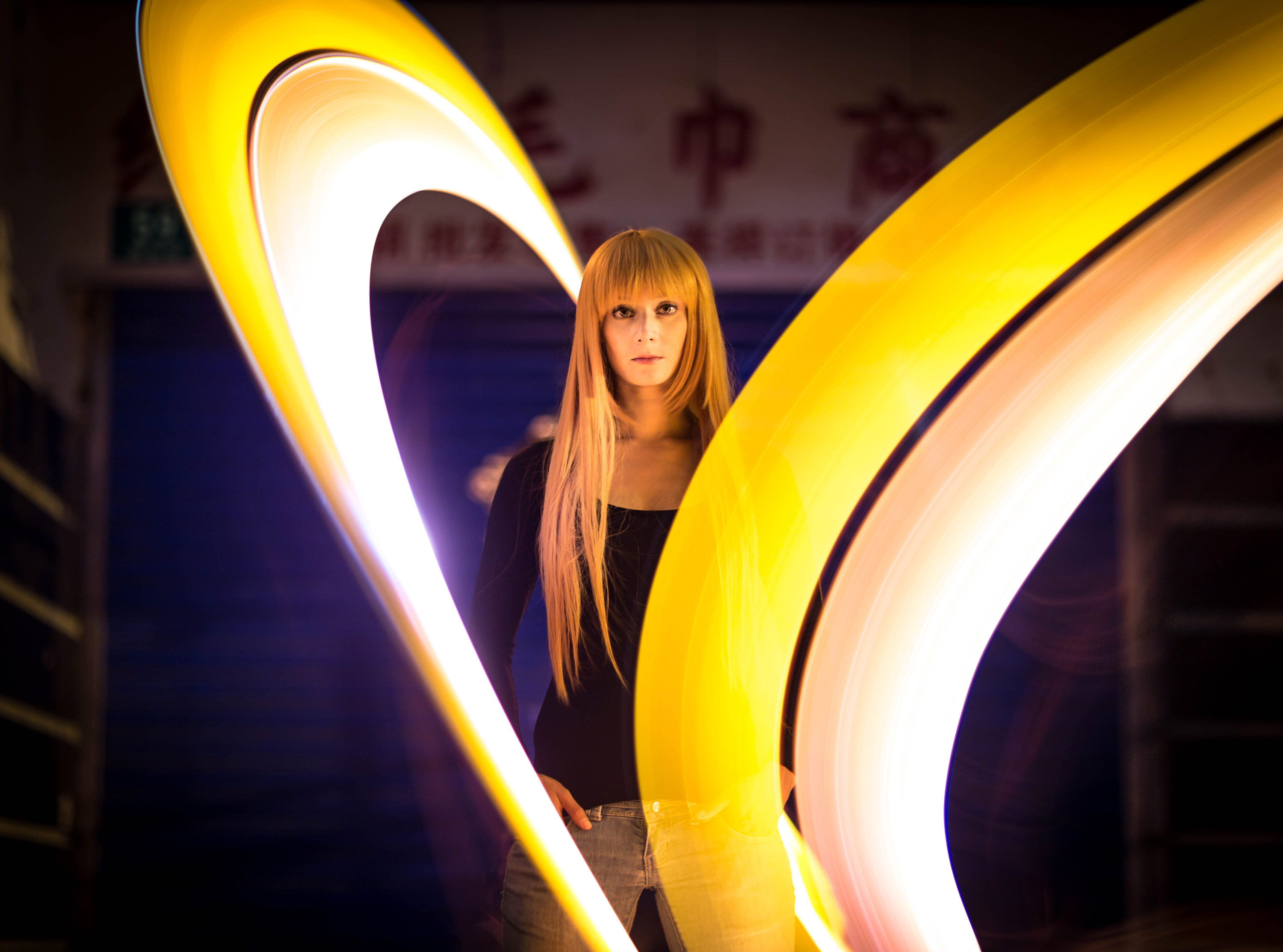 LightPainting-Gunnar-Heilmann-tube-Portrait-yello-china.jpg