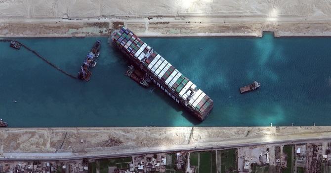 Suez_Canalshipstucklogistics.jpg