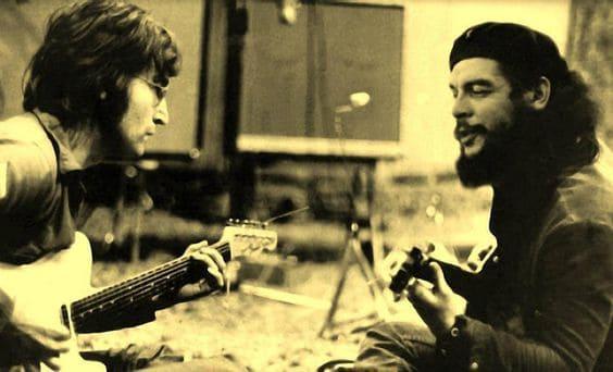 John-Lennon-and-Che-Guevara-playing-guitar-in-1966.-.jpg