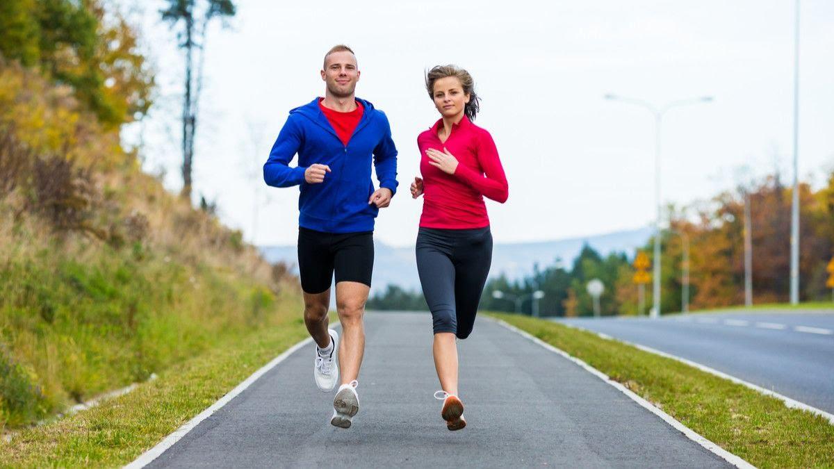 033058000_1567909037-Tips-Sukses-Kembali-Olahraga-Rutin-setelah-Liburan-By-Jacek-Chabraszewski-Shutterstock.jpg