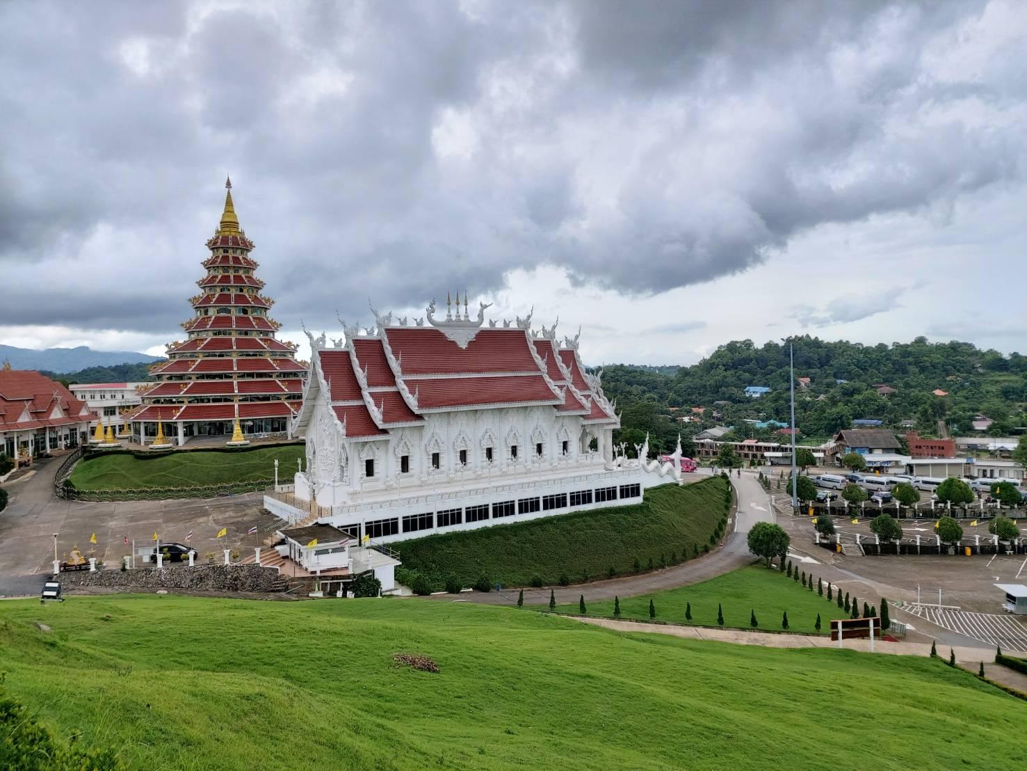 Wat Huay Pla Kang6.jpg