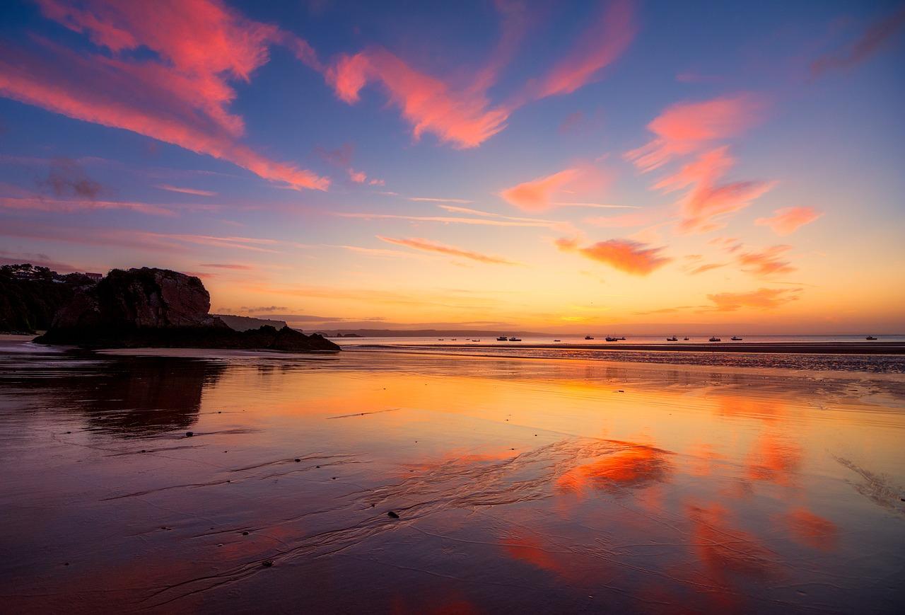 sunrise-2884595_1280.jpg