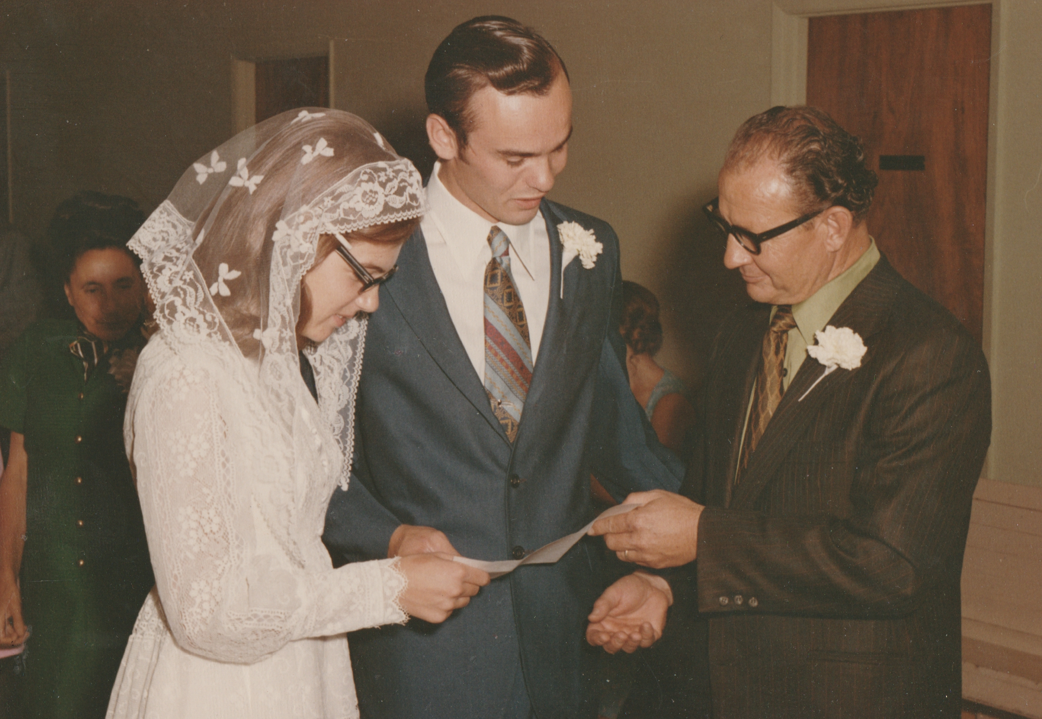 1971-09-04 - Saturday - Wedding Photos-07.png