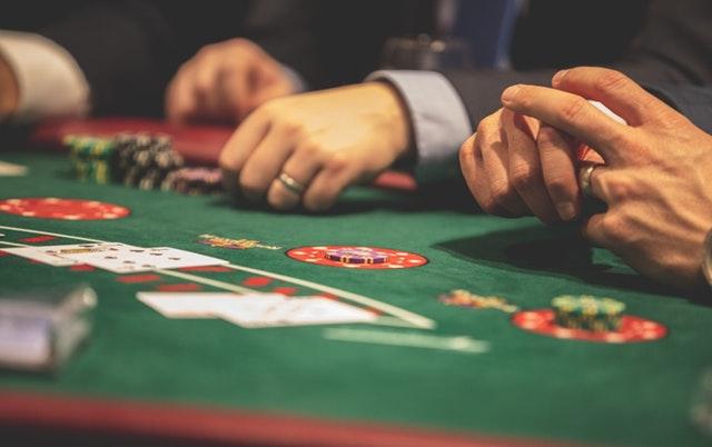 person-playing-poker-1871508.jpg