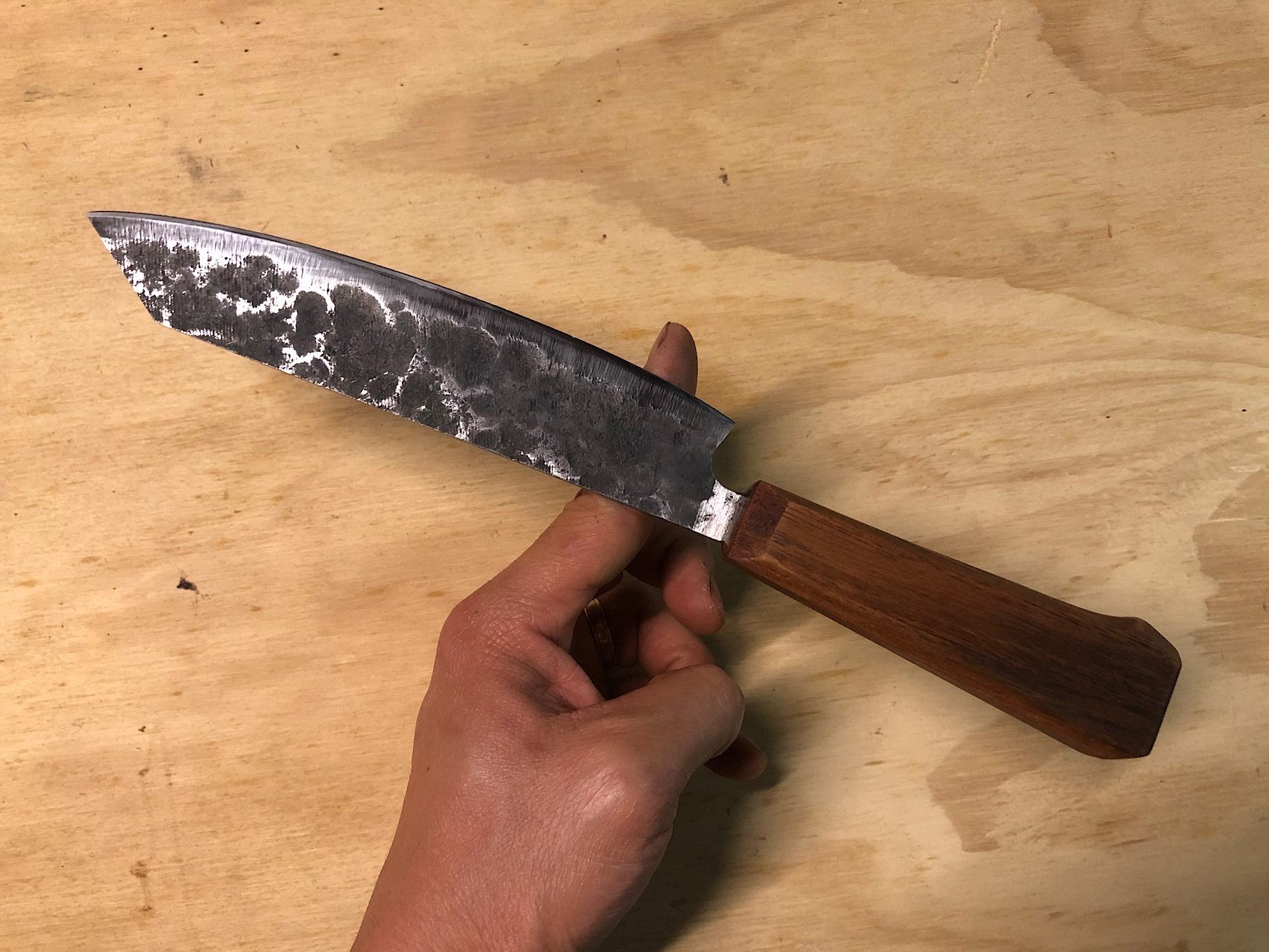 Chef's knife balance point