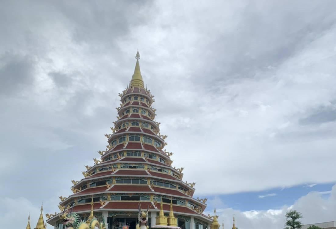 Wat Huay Pla Kang11.jpg