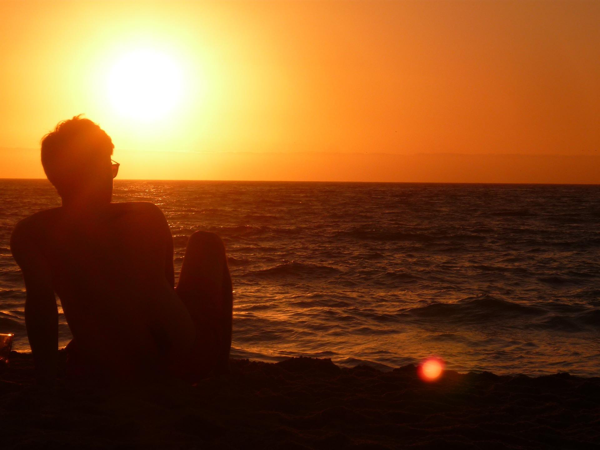 sunset-1487716_1920.jpg