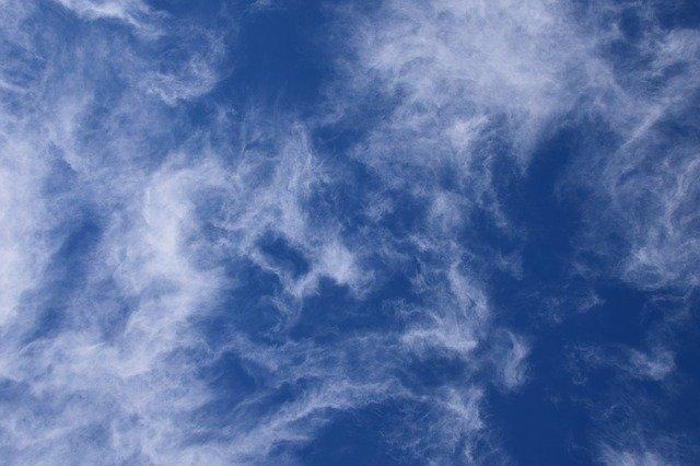 fascinating-wispy-clouds-2868212_640.jpg