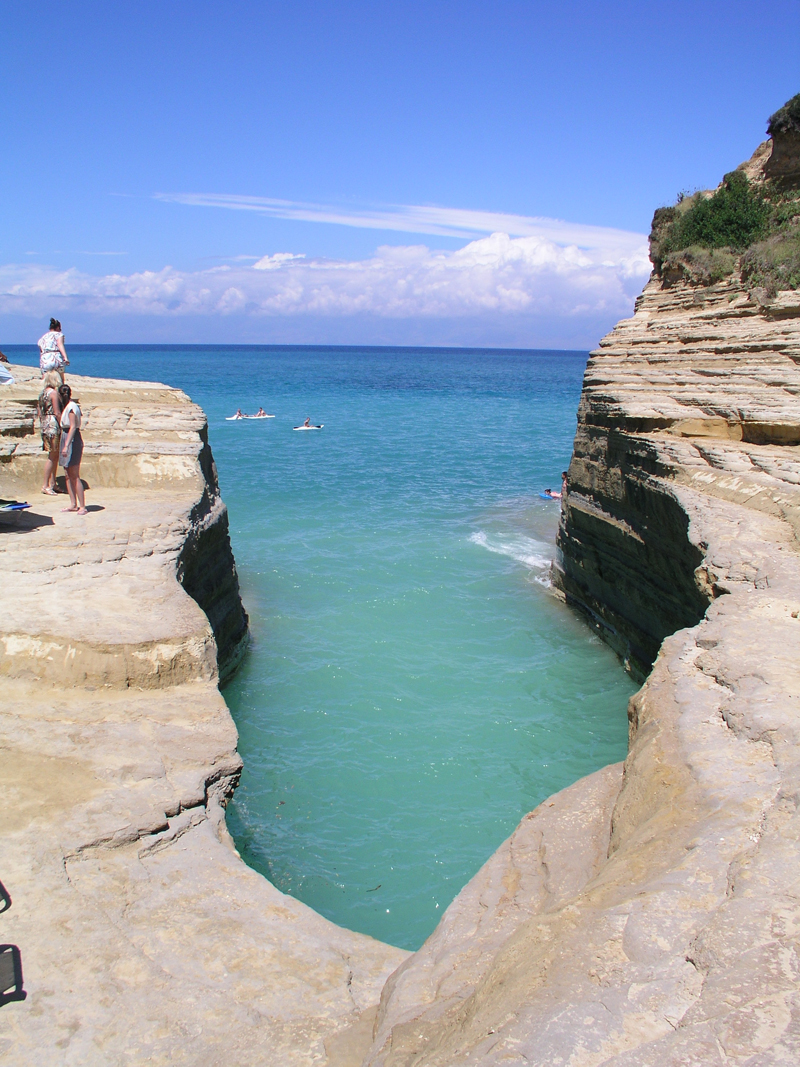 Sidari_North_West_of_Corfu wiki.jpg