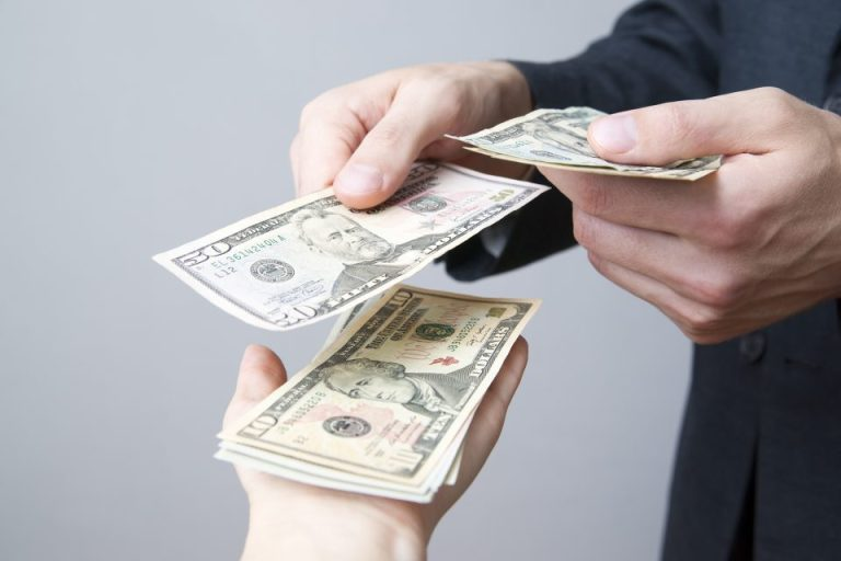 moneychanginghandse1477625146532.jpg