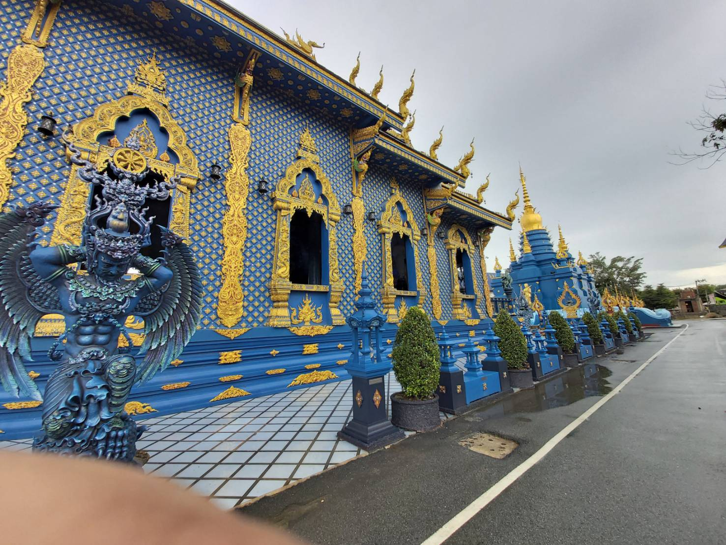 Wat Rong Suea Ten1.jpg