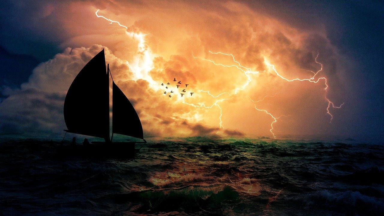 storm-3685720_1280.jpg
