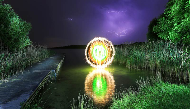 Reflection-blog-lake-Light-Painting-GunnarHeilmann.jpg