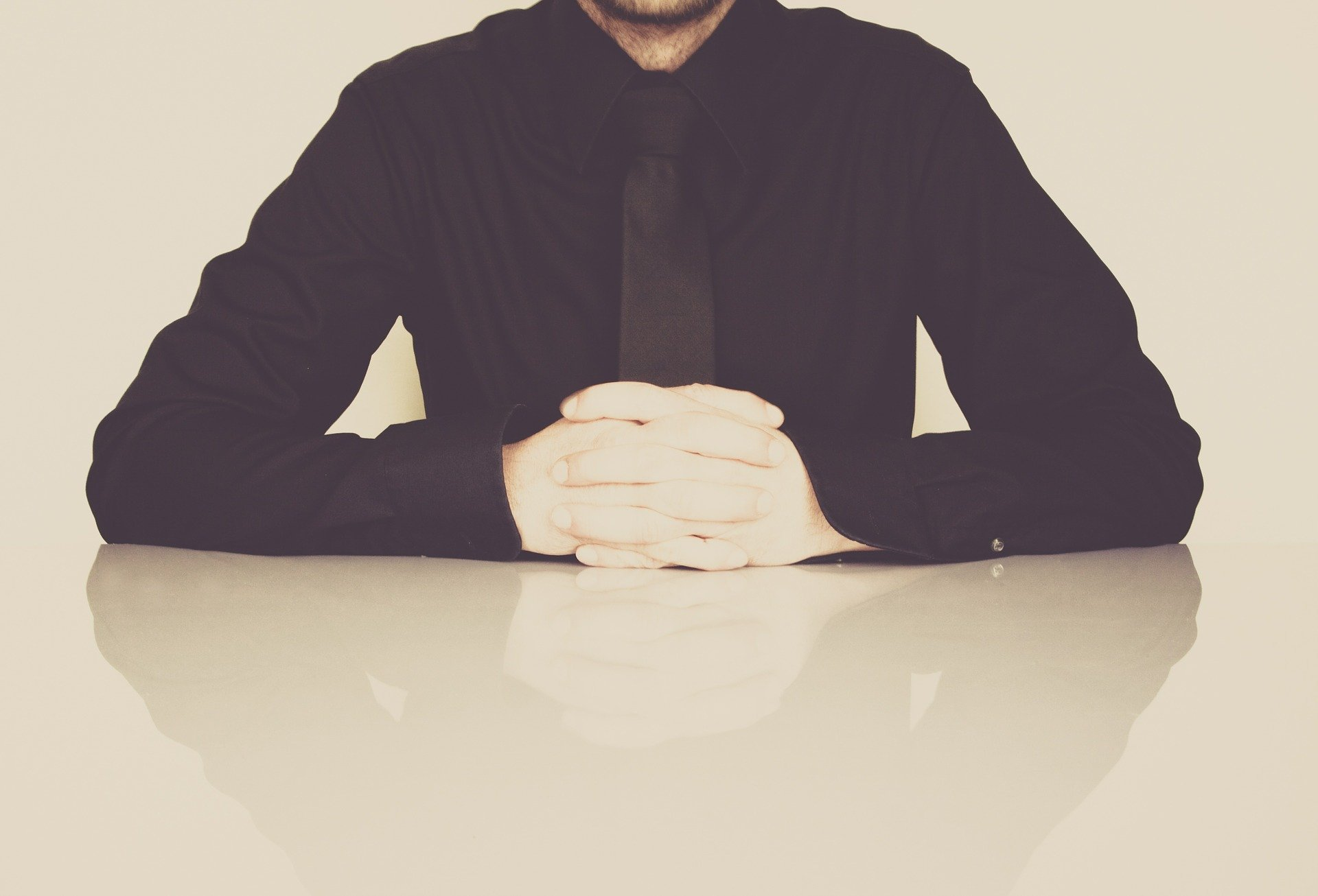 businessman-598033_1920.jpg