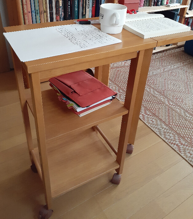 readingstation2.jpg