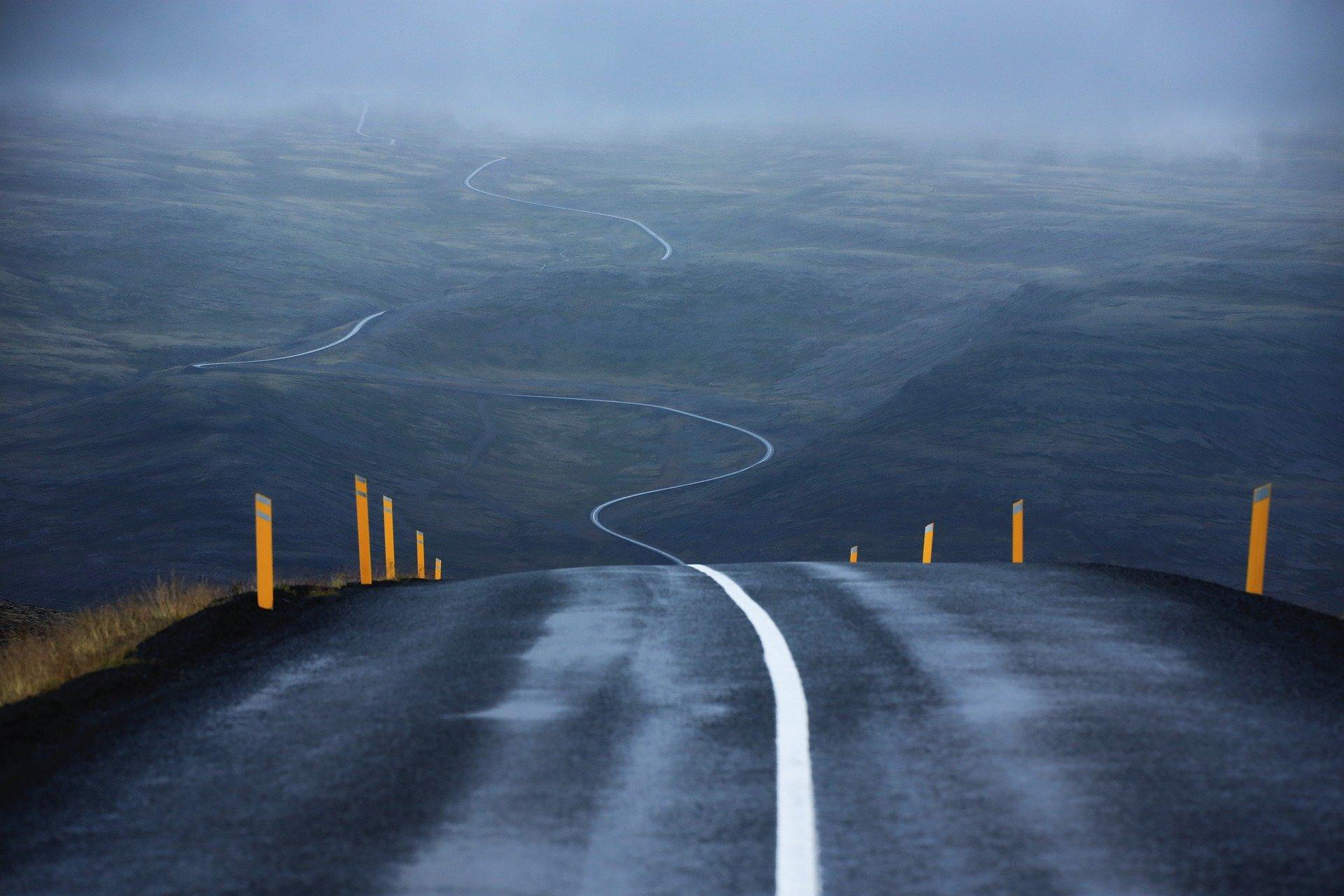 road-6175186_1920.jpg