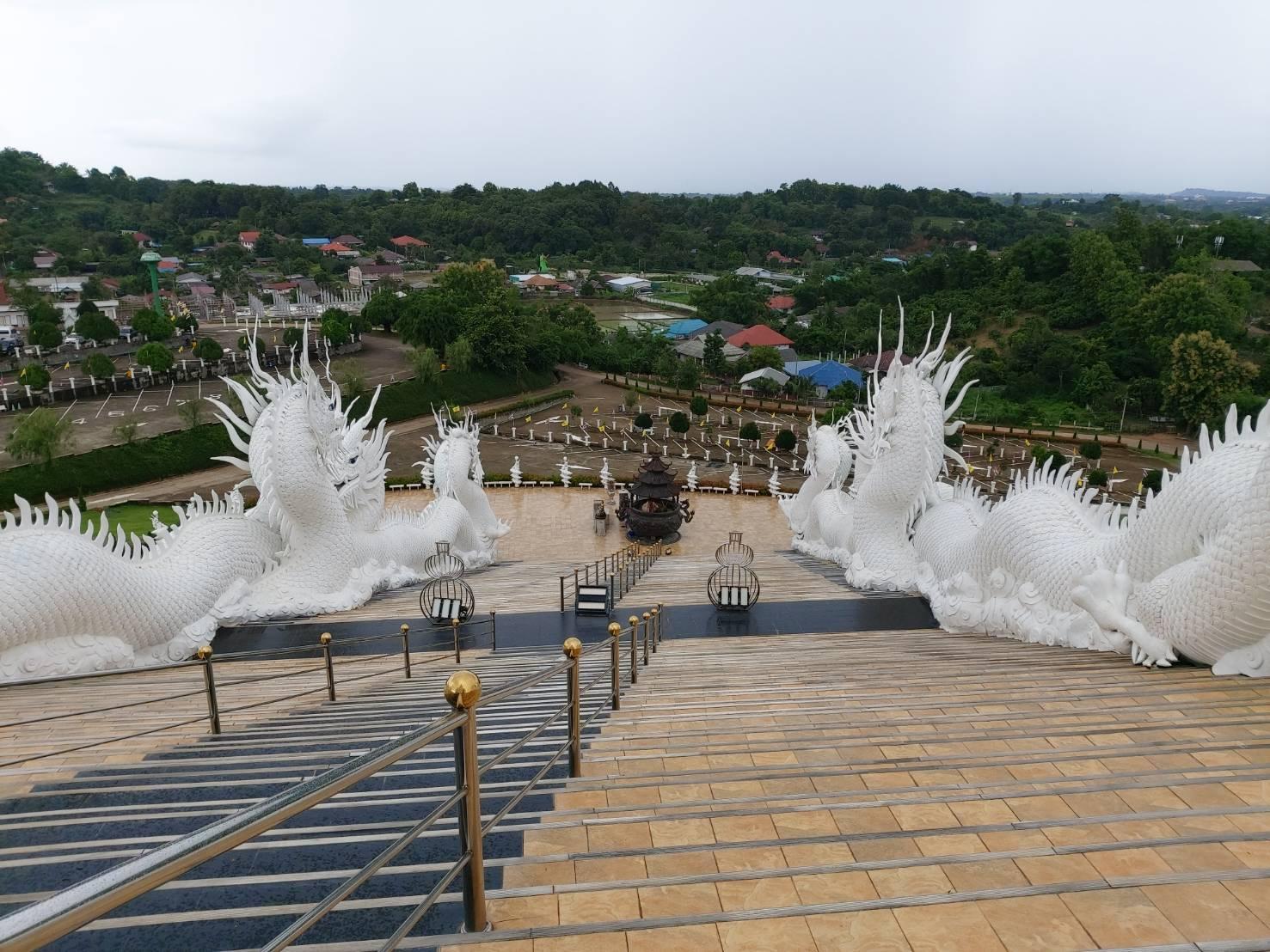 Wat Huay Pla Kang1.jpg