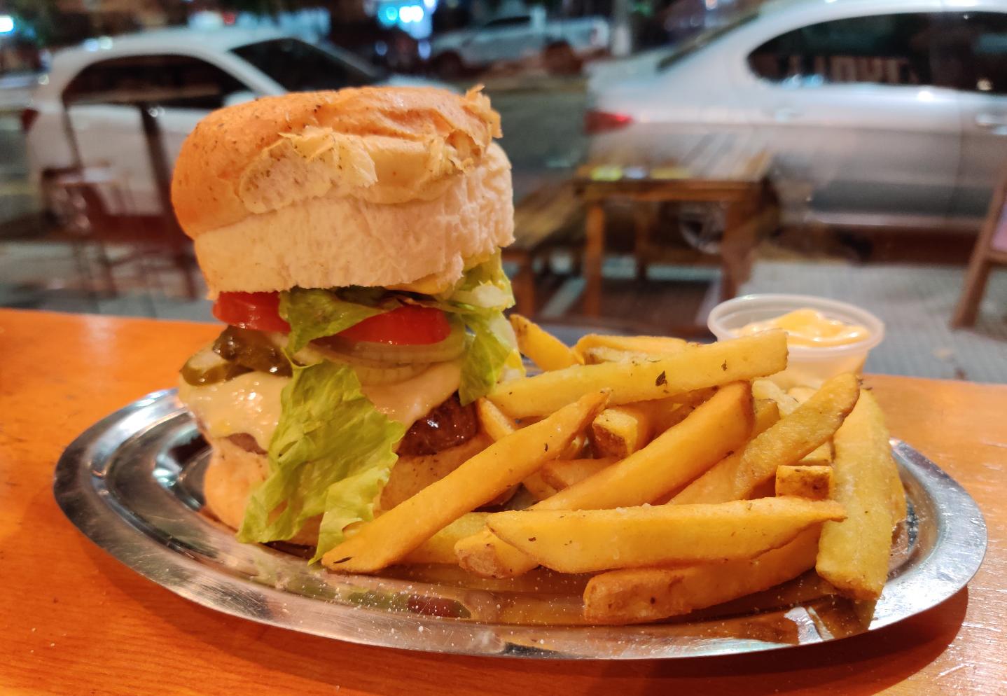 deniro-burger.png