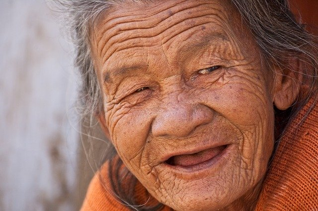 old-lady-845225_640.jpg
