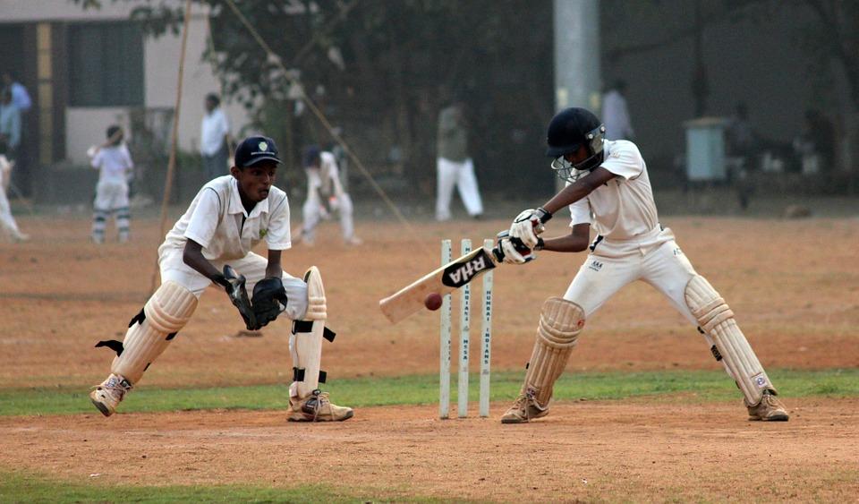 India-Batsman-Cricket-Ball-Game-Wicketkeeper-390195.jpg