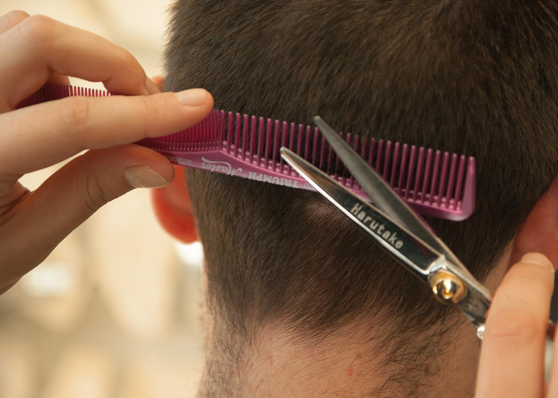 hairdresser-1179459_1920.jpg