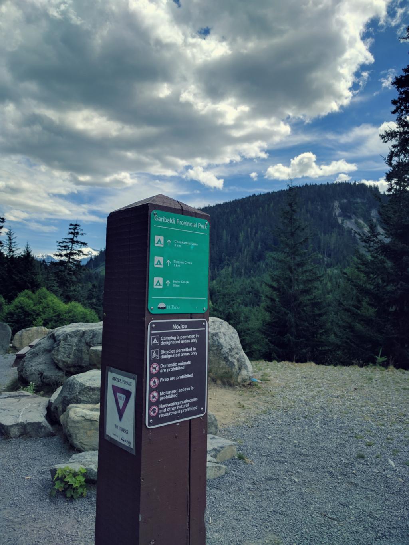 Hike0004_Road.jpg
