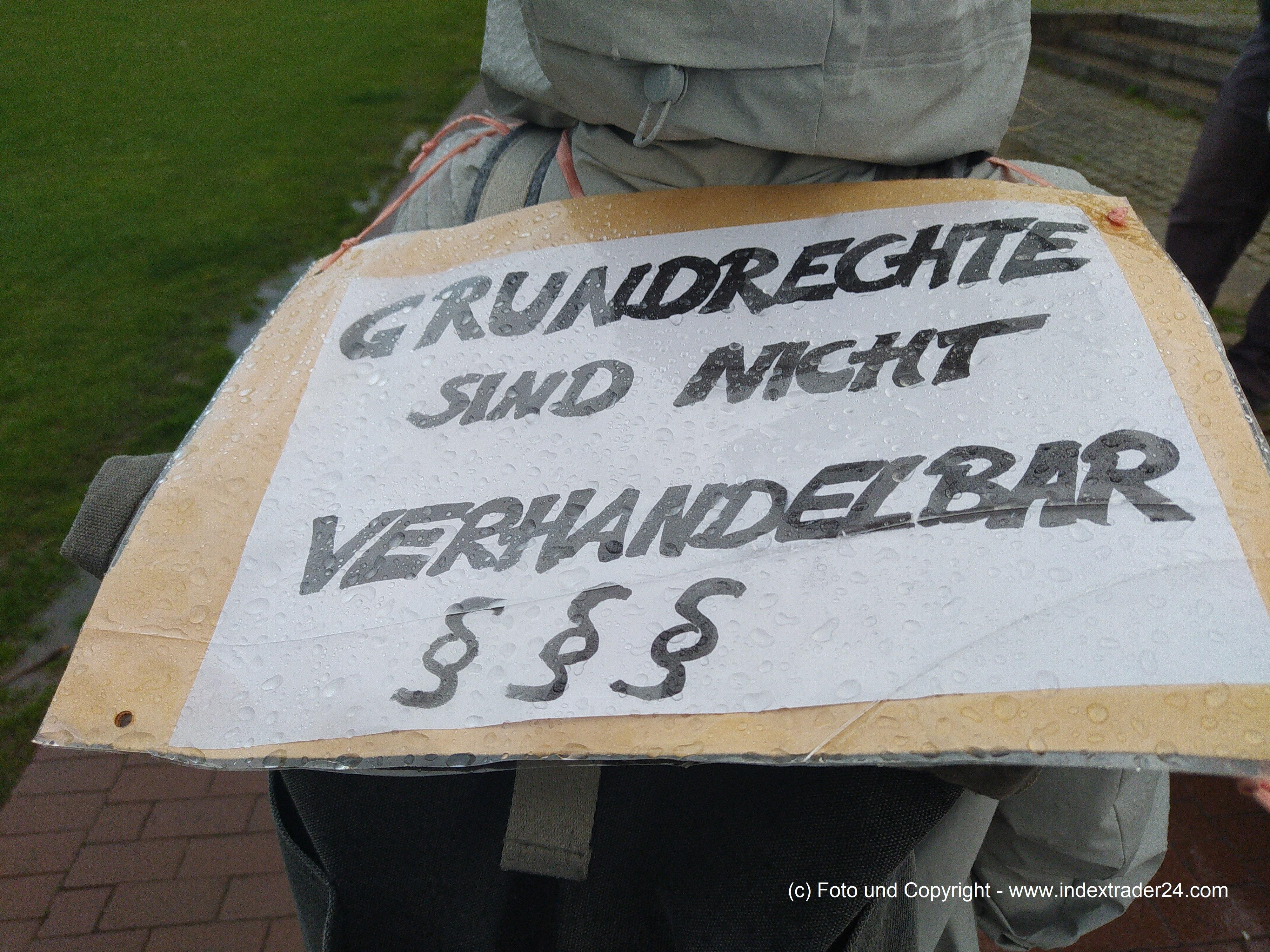 202105161314 Corona Spaziergang Düsseldorf 20210515.jpg