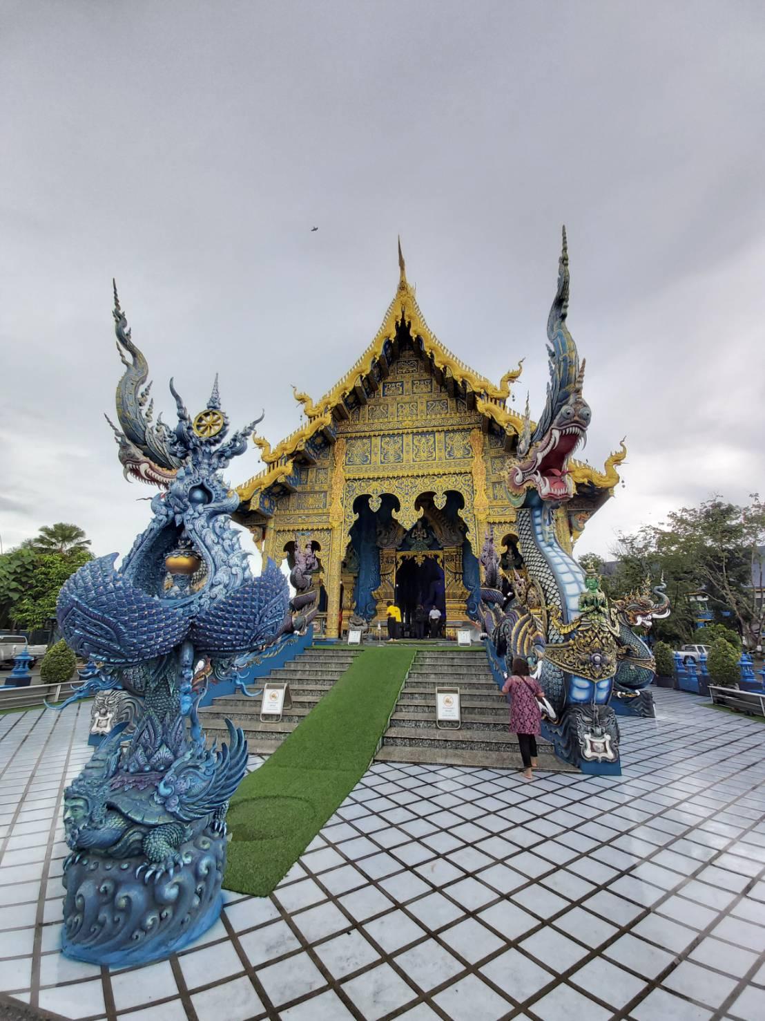 Wat Rong Suea Ten.jpg