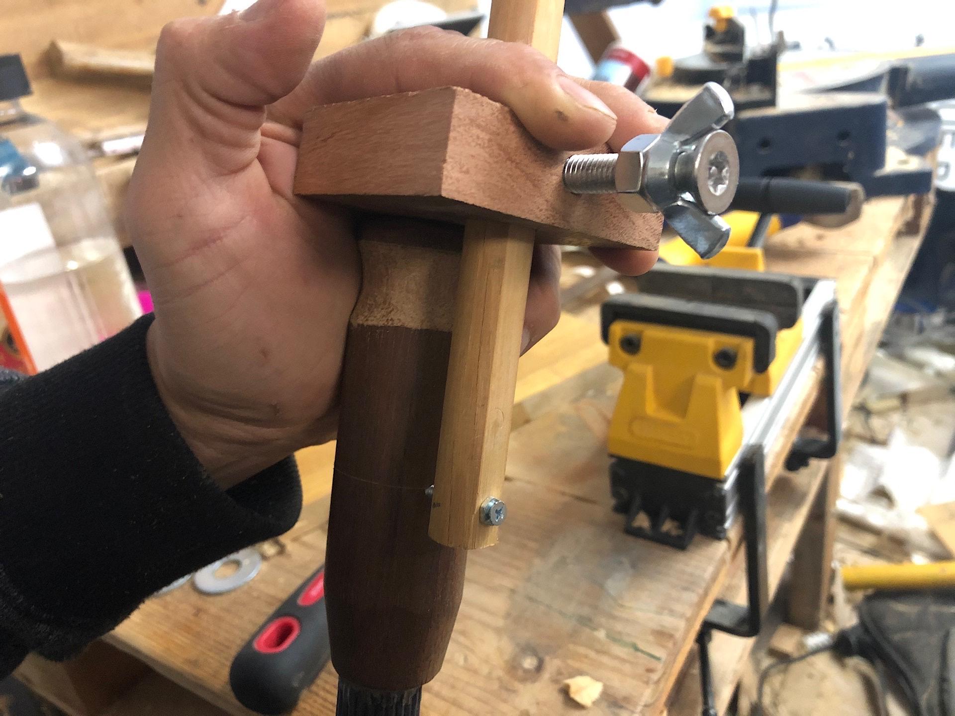 Marking the handle