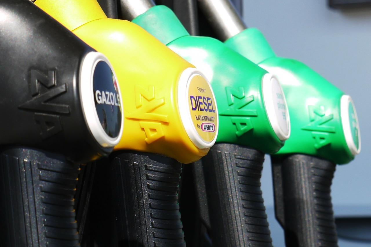 gasoline-175122_1280.jpg