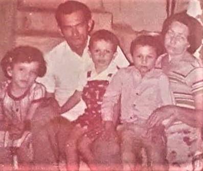 mi familia (2).jpg