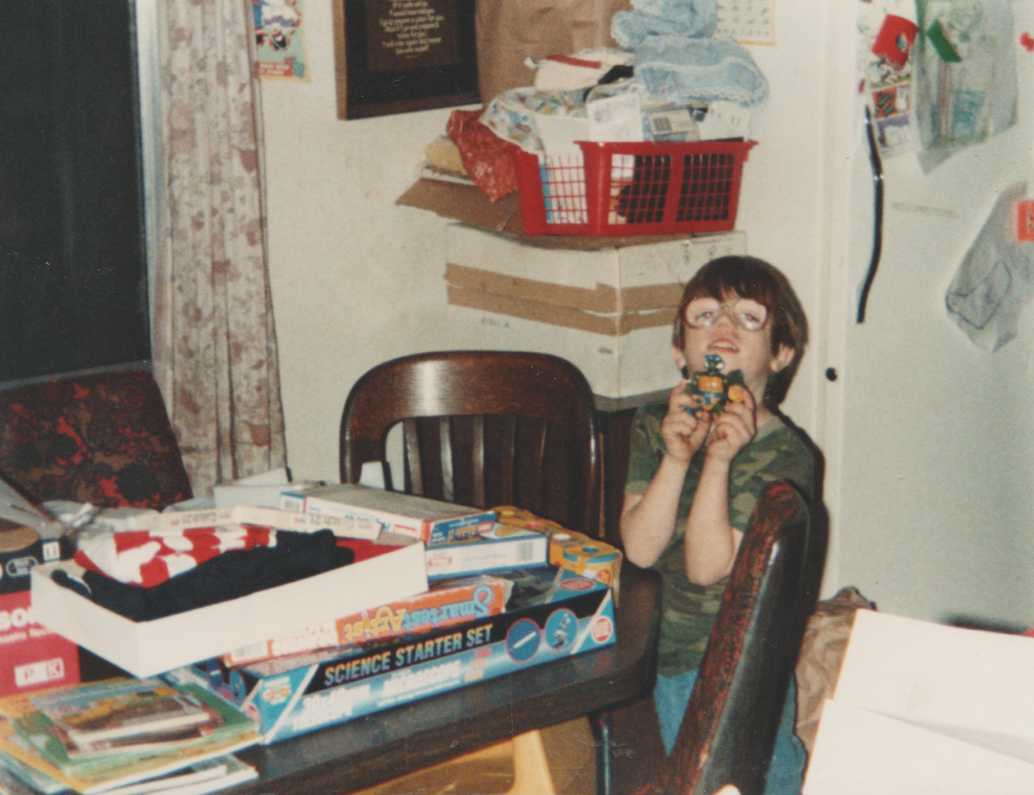 1991-12-25 - Christmas of 1991 - Joey, Crystal, Katie, Presents, Piano, Toys, 3pics-1.png