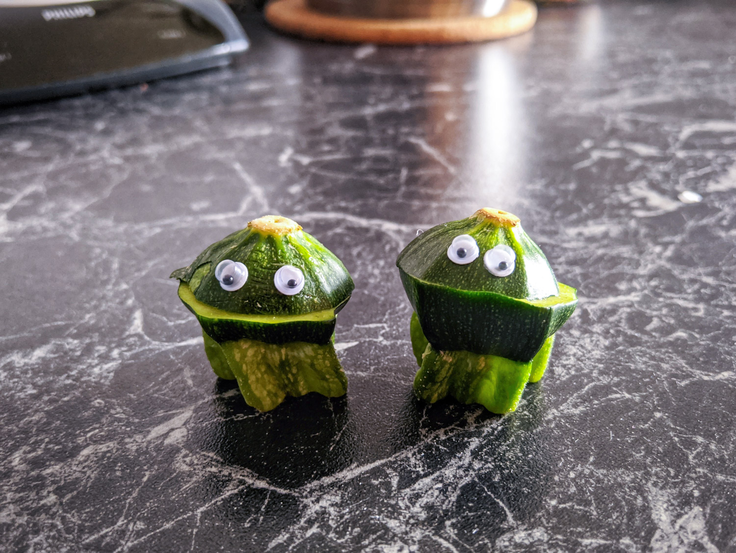 Chini and Gette Zucchini Courgette Googly Eyes @snaepshots by @fraenk