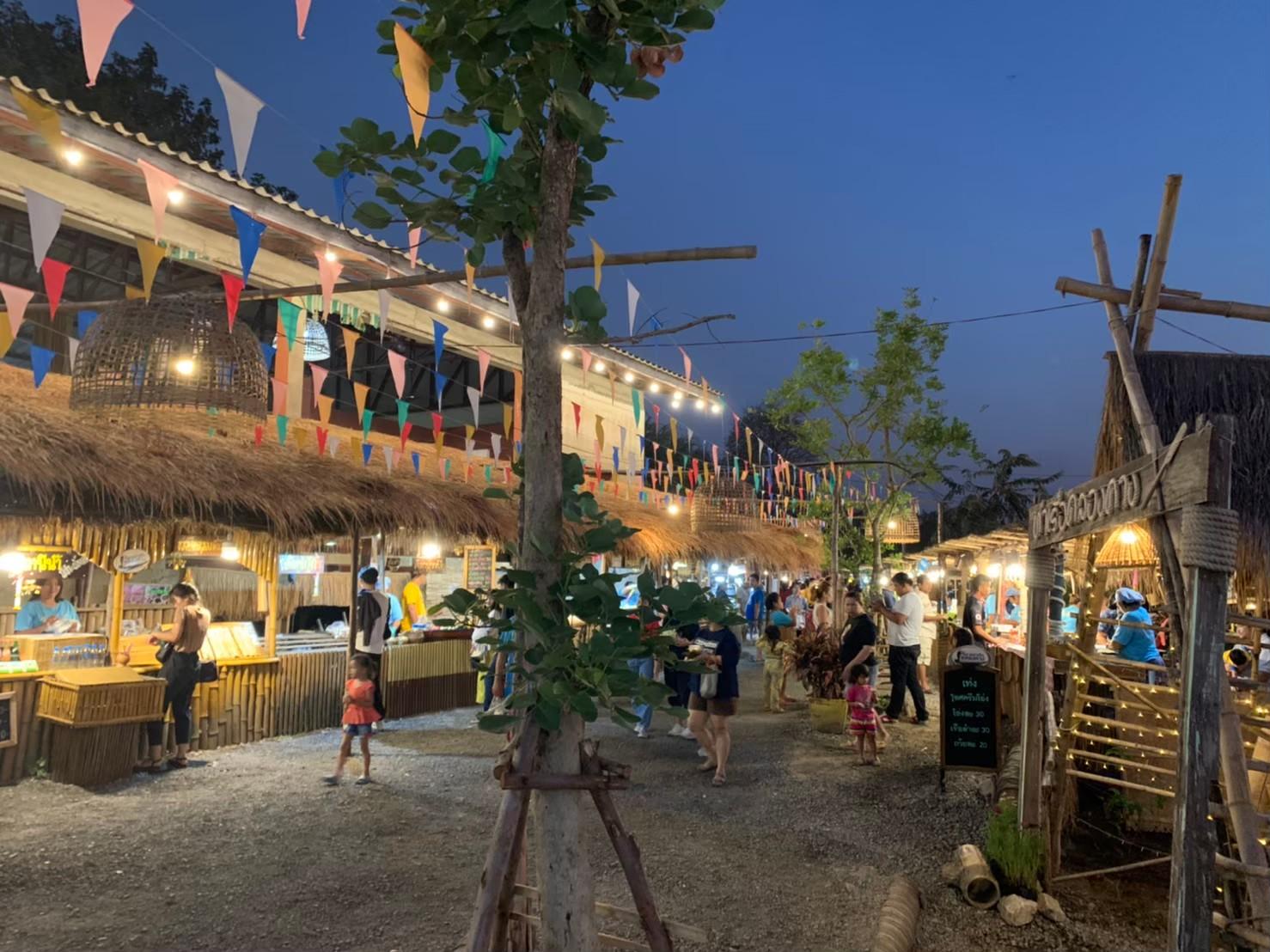 Khlong Khang Pier Market10.jpg