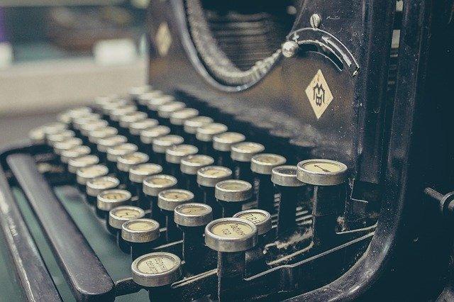 typewriter407695_640.jpg