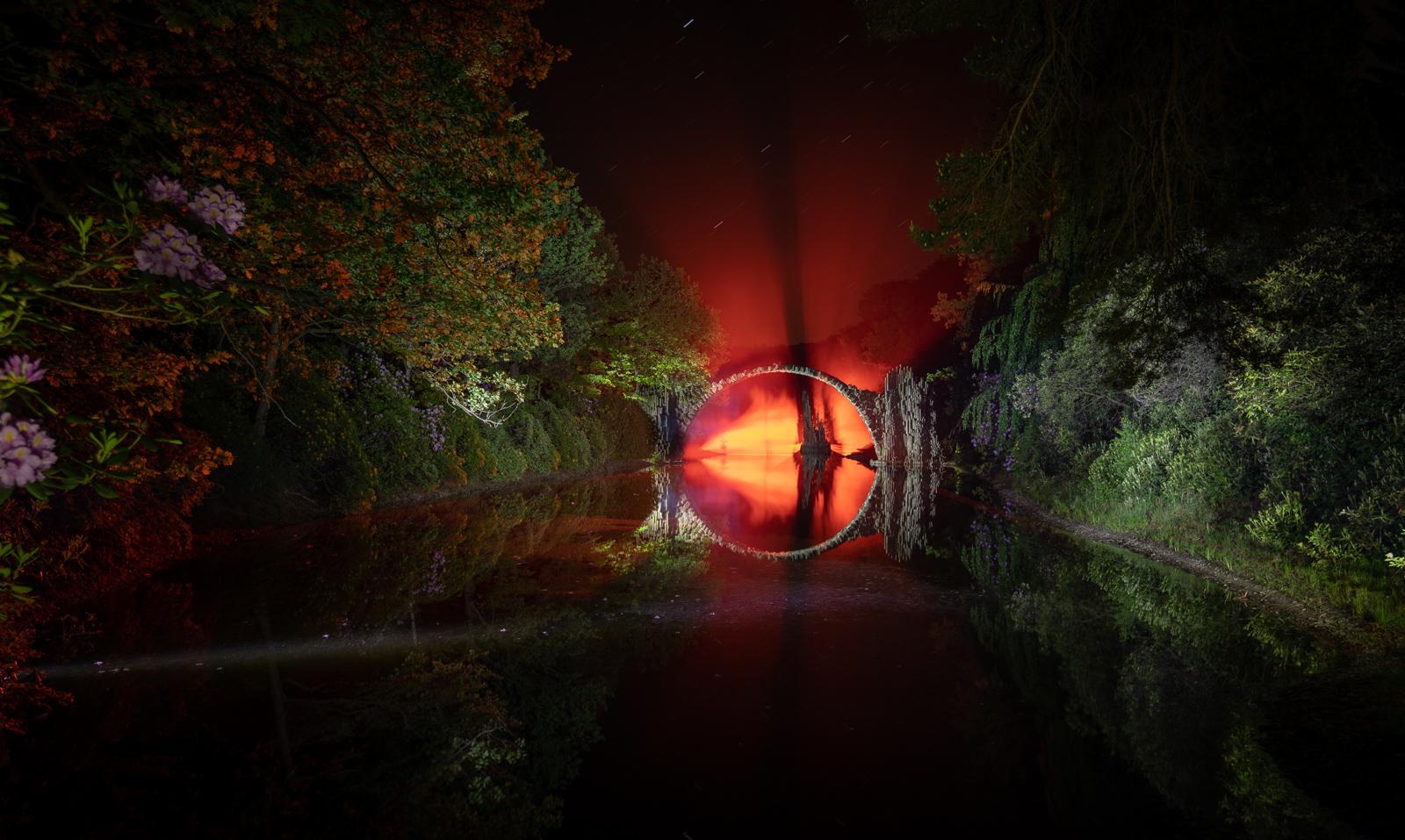2017_LightPainting-Rakotzbruecke-red.jpg