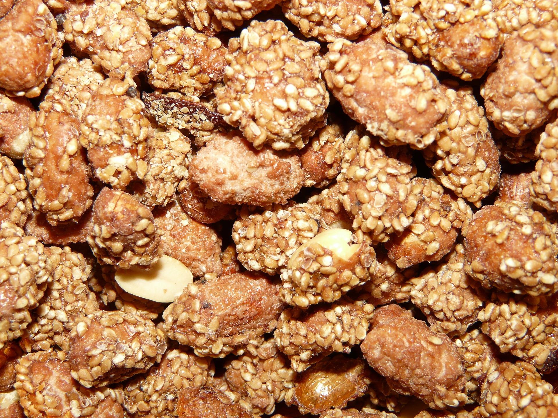 nuts-11338_1920 pixabay.jpg