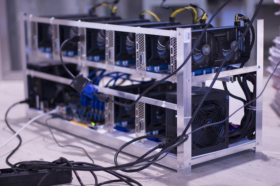 bitcoin mining rig pixa.jpg