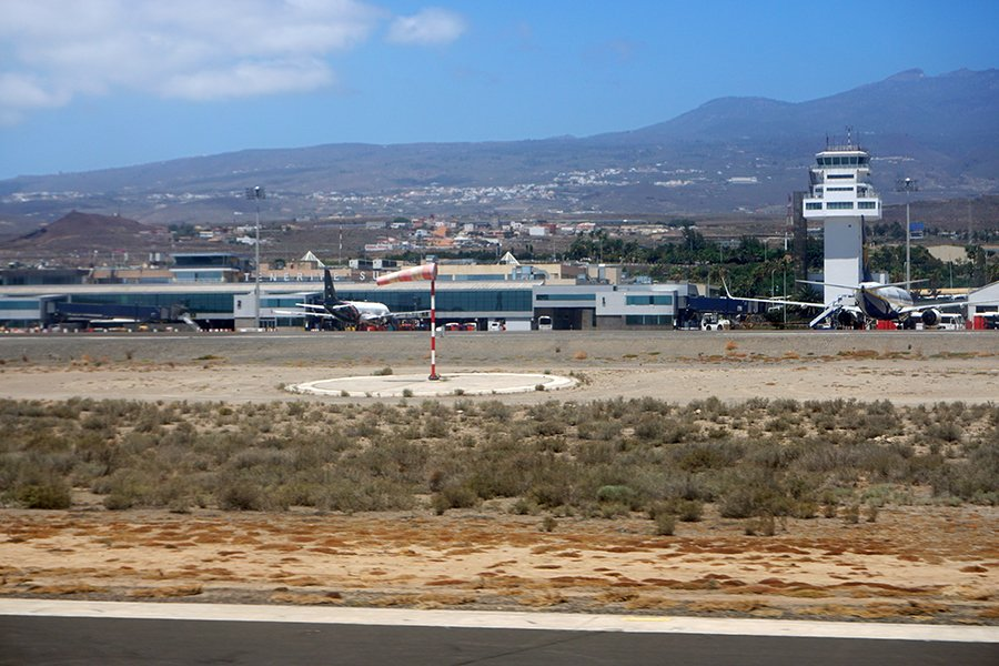 Flight_over_the_Canary_027_s.jpg