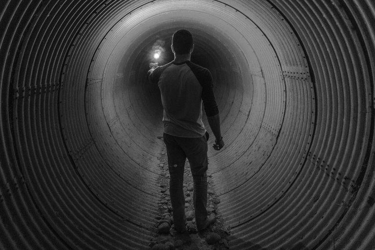 Man_Tunnel.jpg