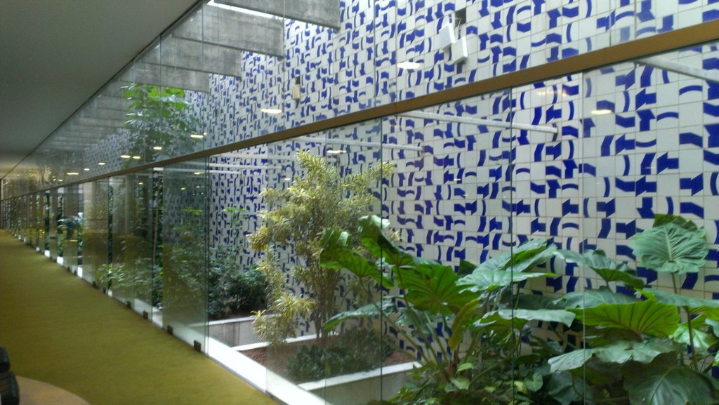 View of the wall in the parliament's living room where you can see a sample of Amazonian plant diversity