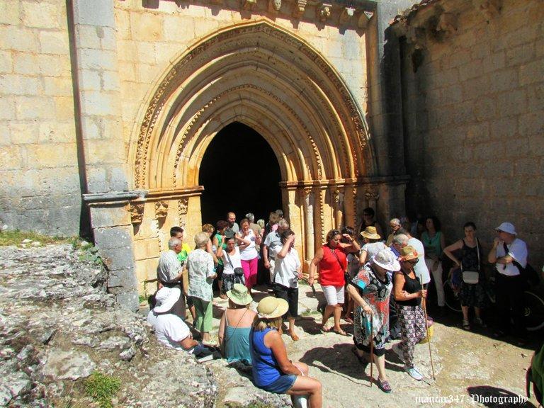 Portada de la iglesia templaria de San Bartolomé, siglo XIII
