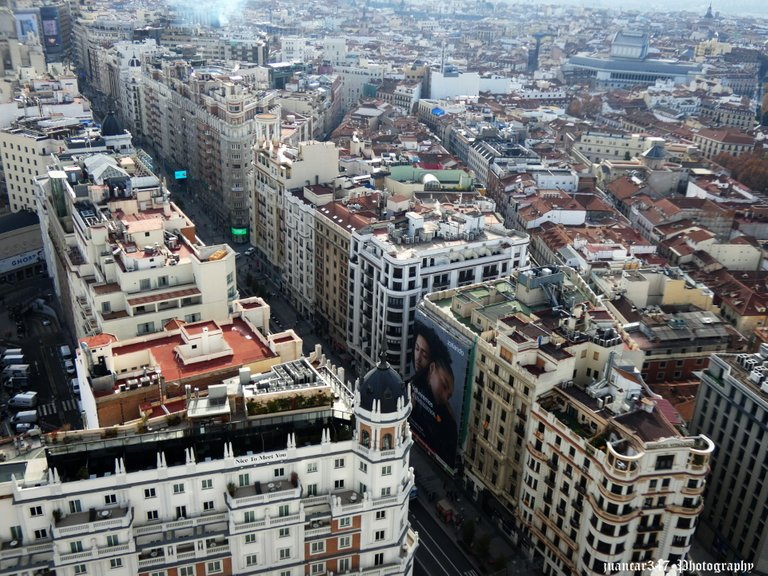 Overview of the popular Gran Vía street and its modernist architecture