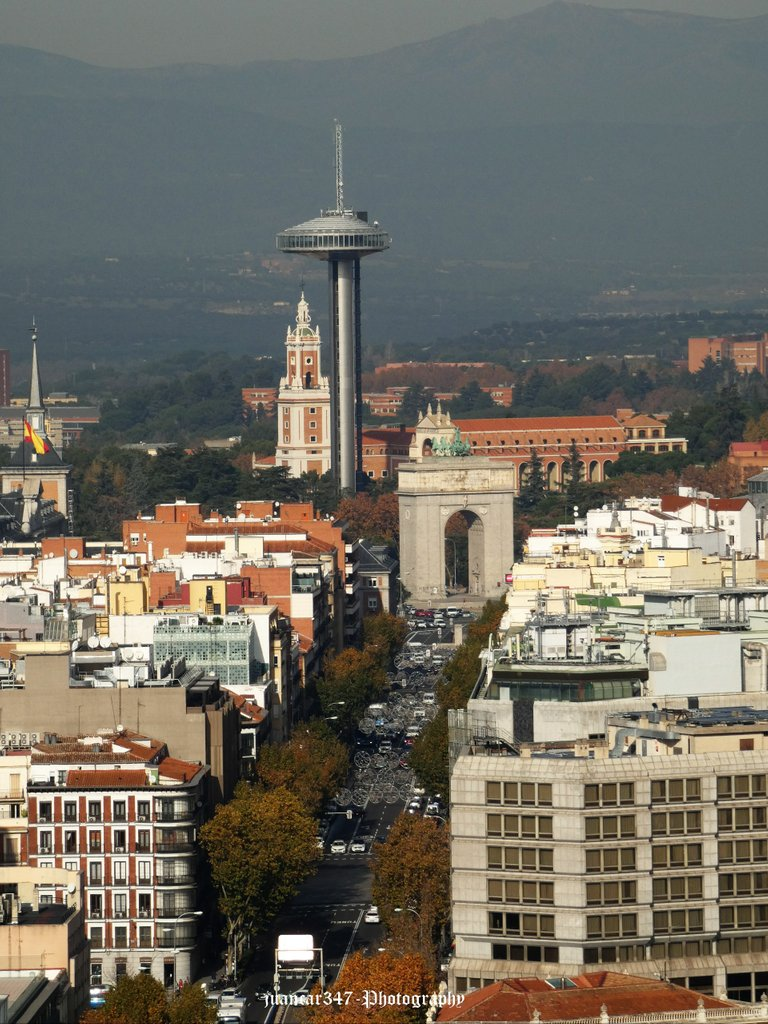 Panoramic view of the Arch of Victory, the Moncloa Lighthouse and the Museum of America
