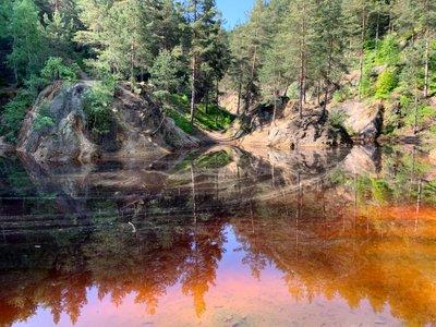 Kolorowe Jeziorka w Rudawach Janowickich, Skalnik oraz dzień sympatycznych ludzi na szlaku.