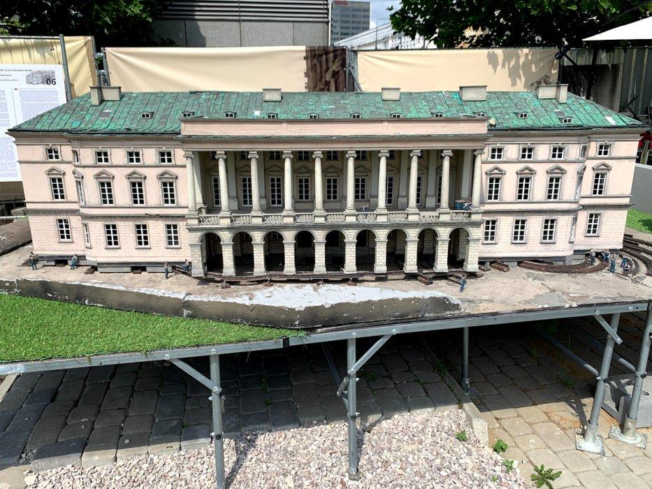 Pałac Lubomirskich (Krasińskich)