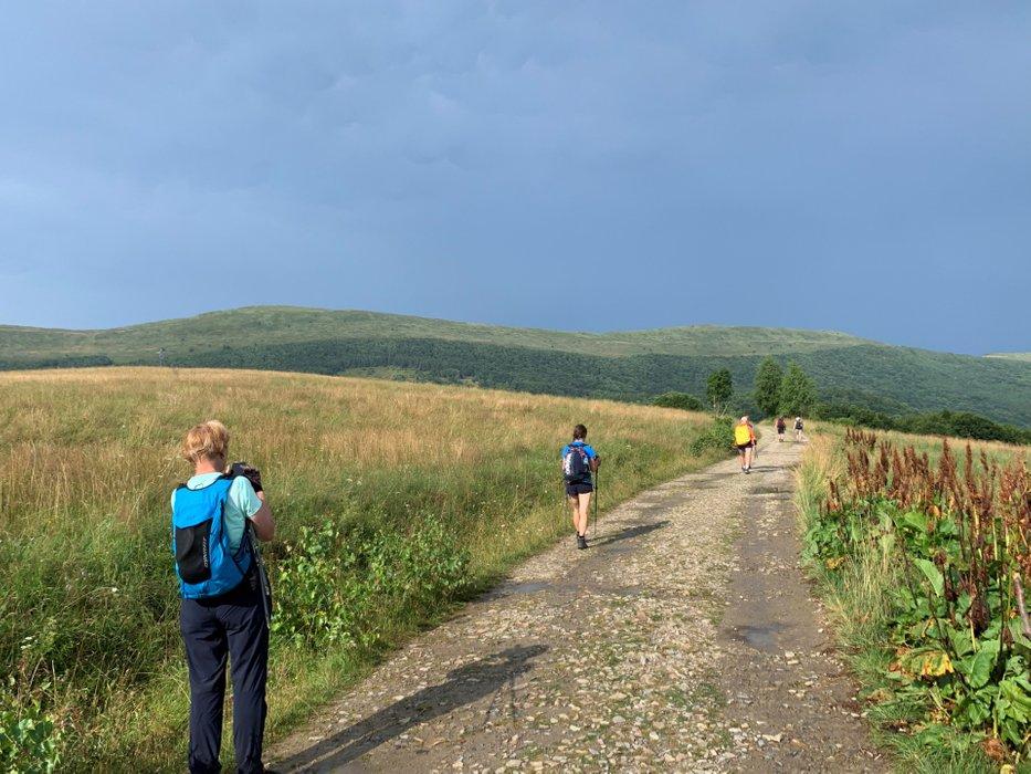 Włóczykijki na drodze na Przełęcz Wyżniańską
