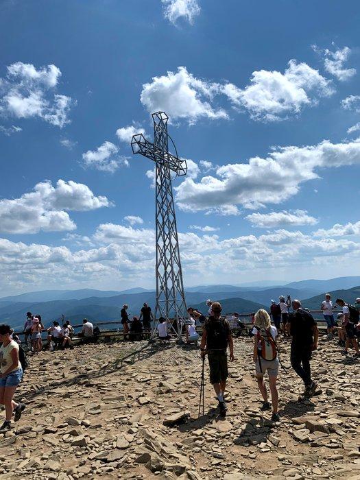 Krzyż na szczycie Tarnicy