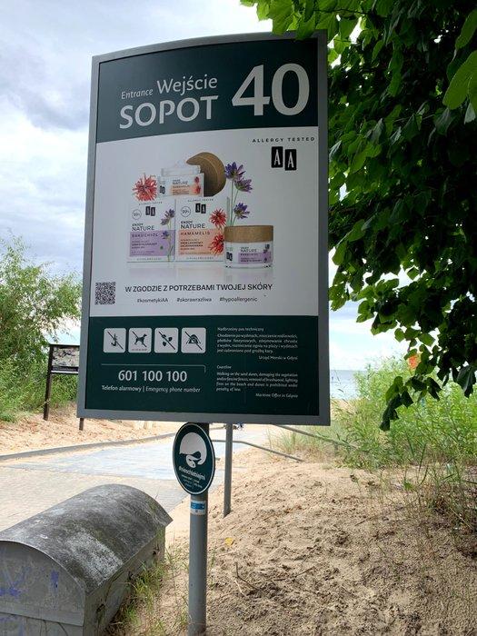 Oznaczenie wejścia na plażę - Sopot