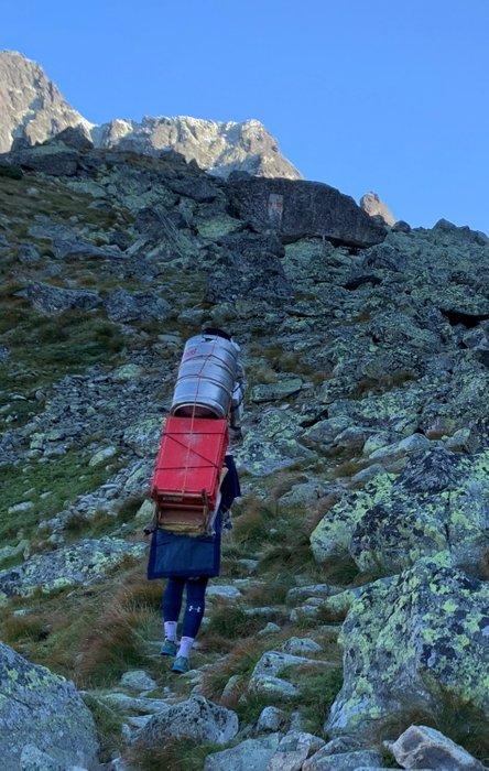 Transport zaopatrzenia do Chaty pod Rysami